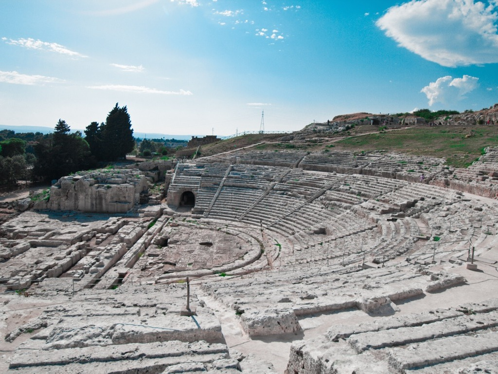 ancient greek theater architecture essay