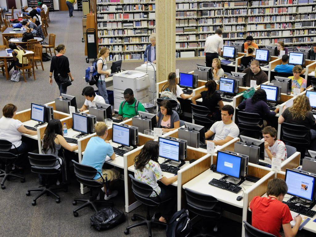 internet in school library