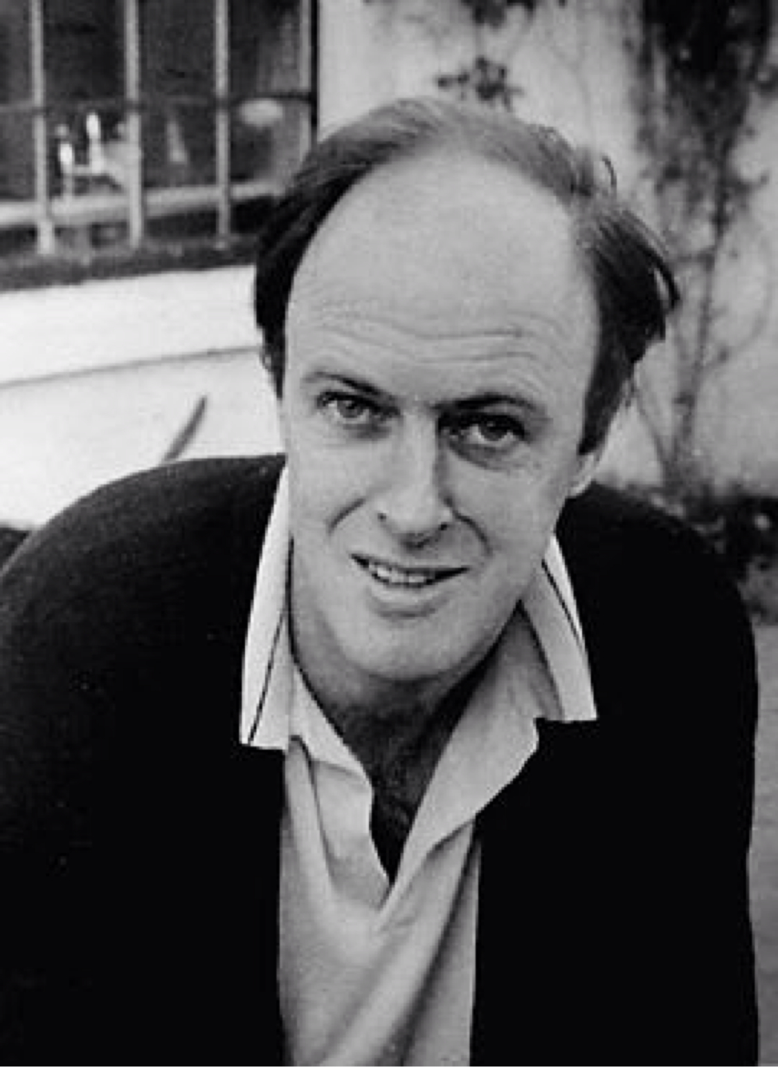 roald dahl biography This brief roald dahl biography covers the life of a man who was beloved to both adults and roald dahl is most famous for his children's books he also was proudest of his stories for children.